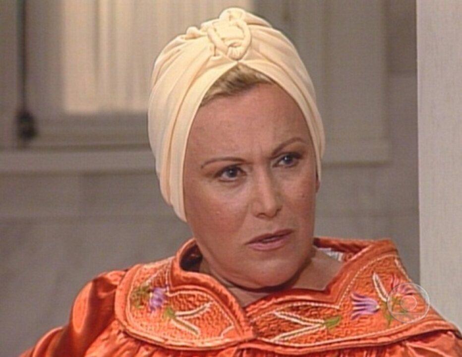 Em 'Mulheres de Areia', Andrea se revolta