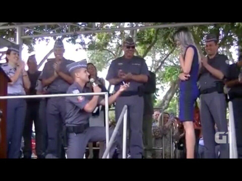 PM pede noiva em casamento em solenidade no Batalhão em São José