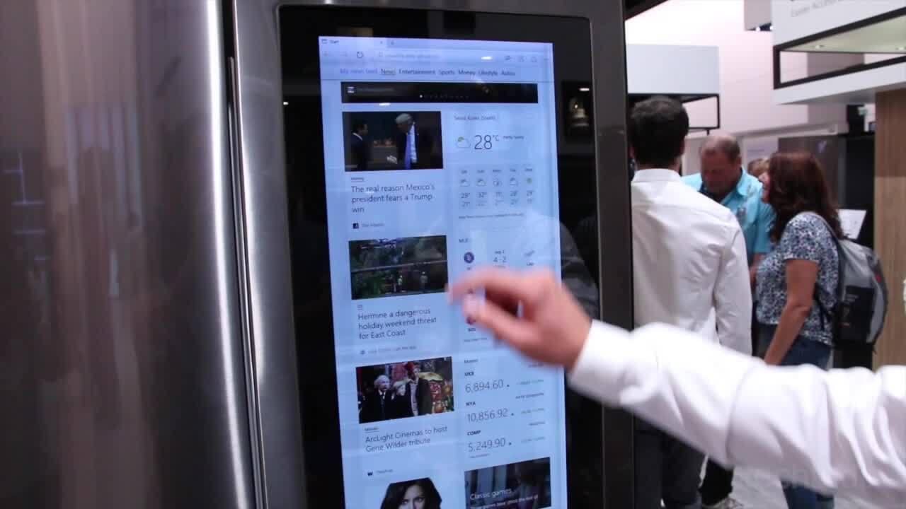 Conheça a geladeira 'smart' da LG que vem com Windows 10
