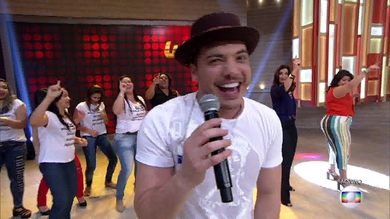 Wesley Safadão canta 'Tô Solteiro De Novo'