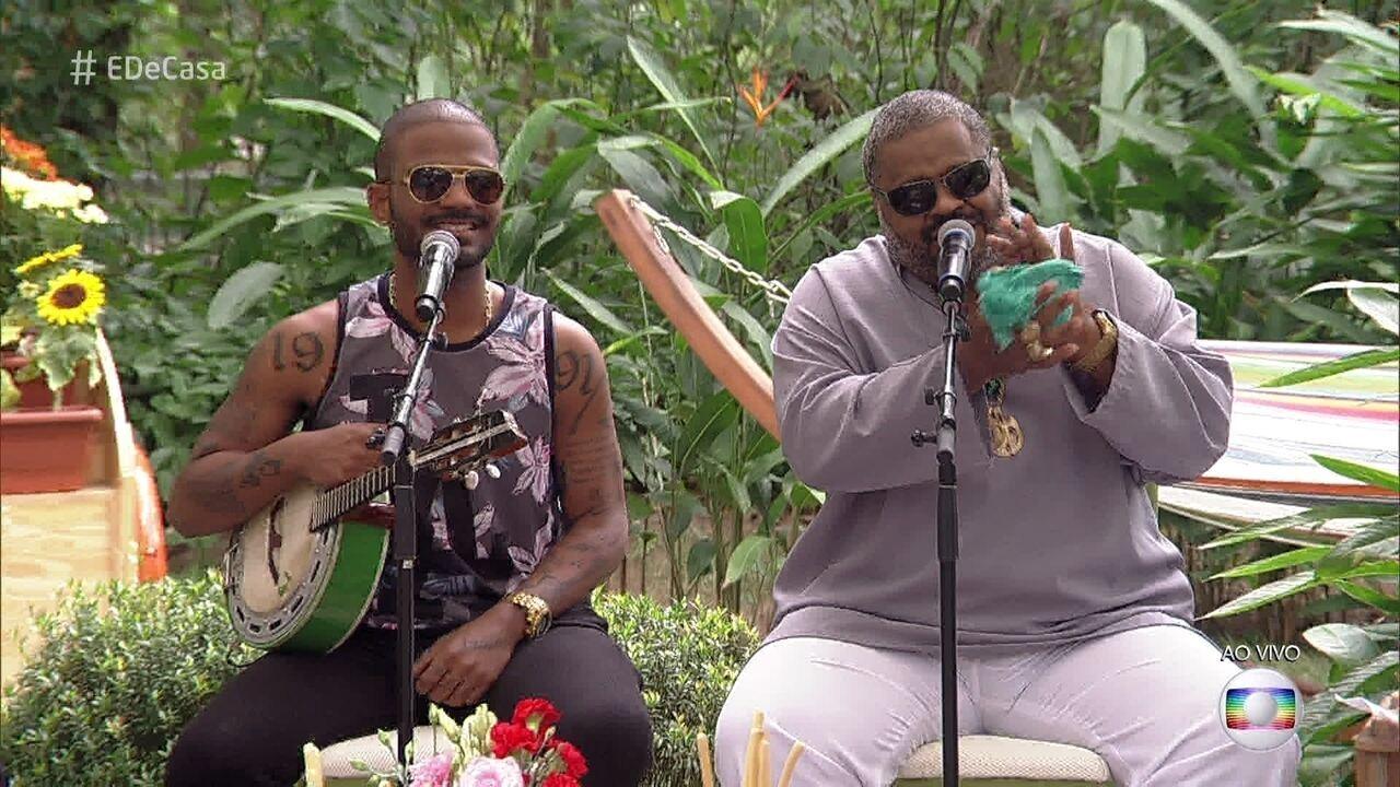 Arlindo Cruz e Arlindo Neto cantam 'Pais e Filhos'