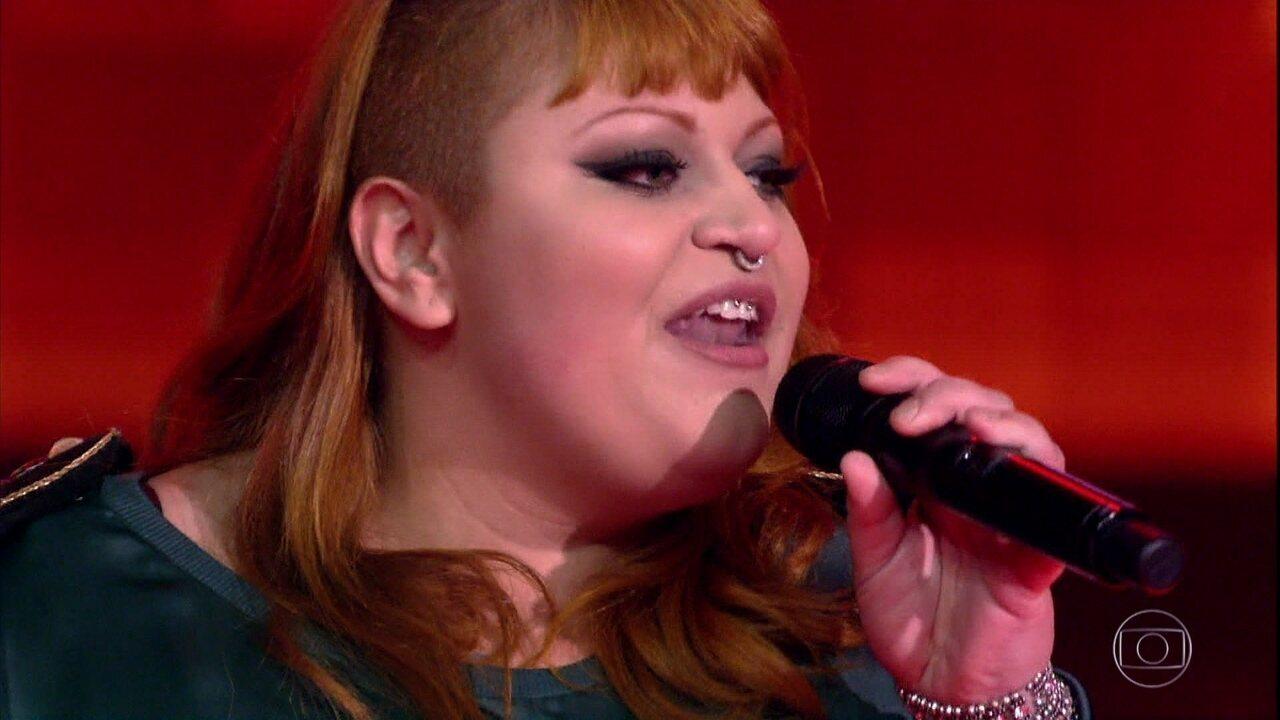 Isabela Huk canta 'Vapor Barato'