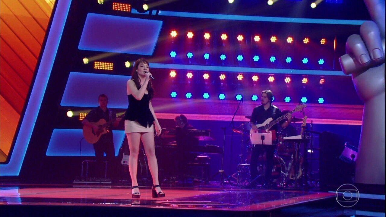 Jade Baraldo canta 'Romaria'