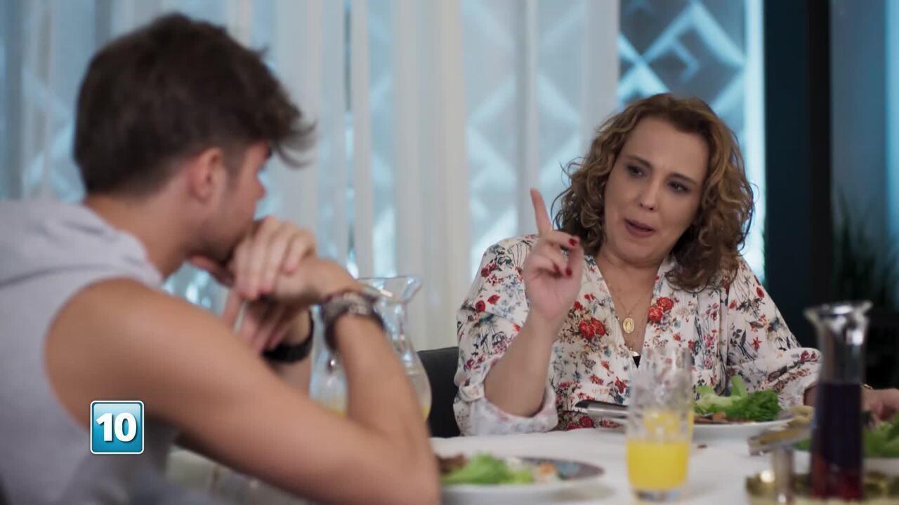 Confira a prévia da apresentação da personagem Néia de 'Rock Story'