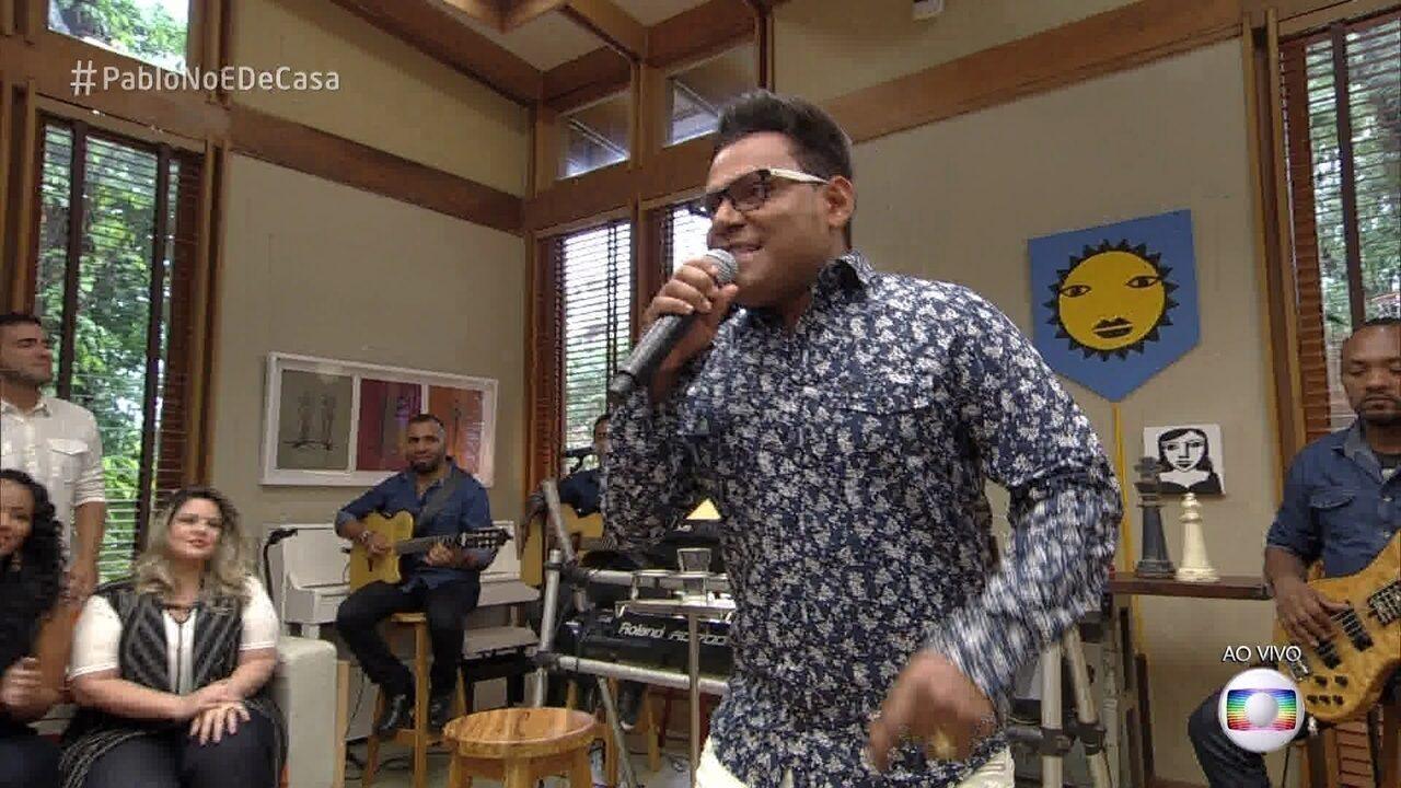 Pablo canta no 'É de Casa'
