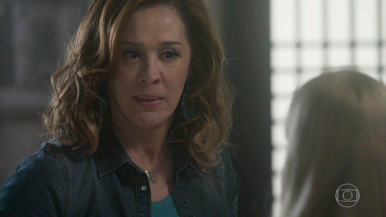 Salete confronta Jéssica e surpreende a filha com revelação
