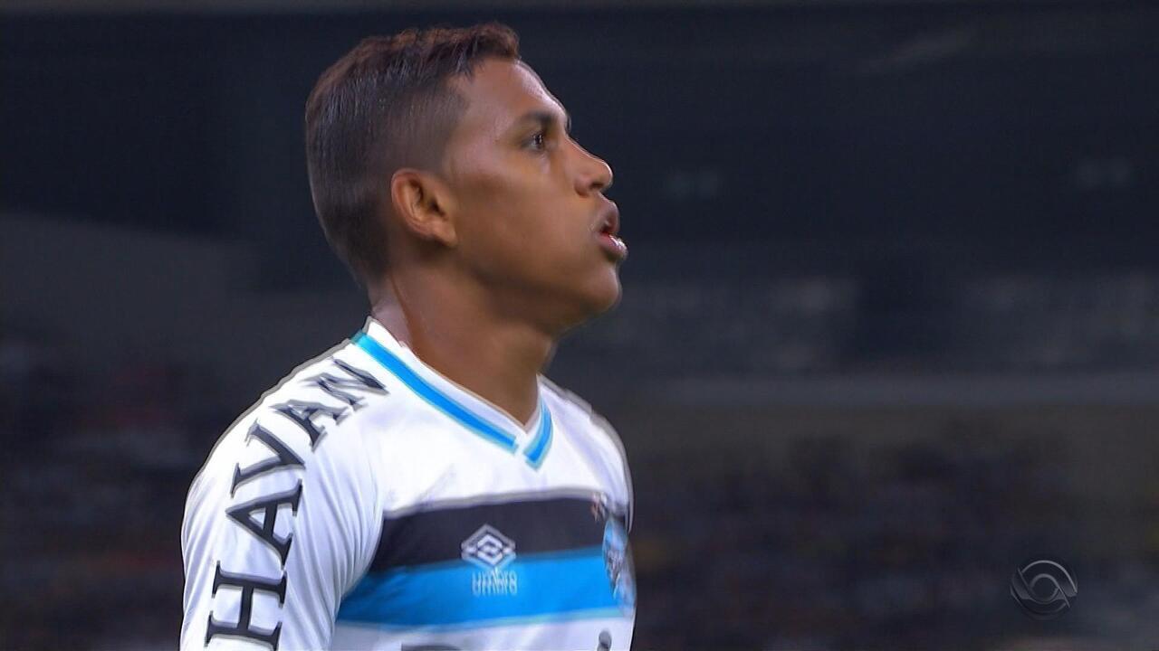 Herói no Mineirão, Pedro Rocha marca dois gols, é expulso e chora