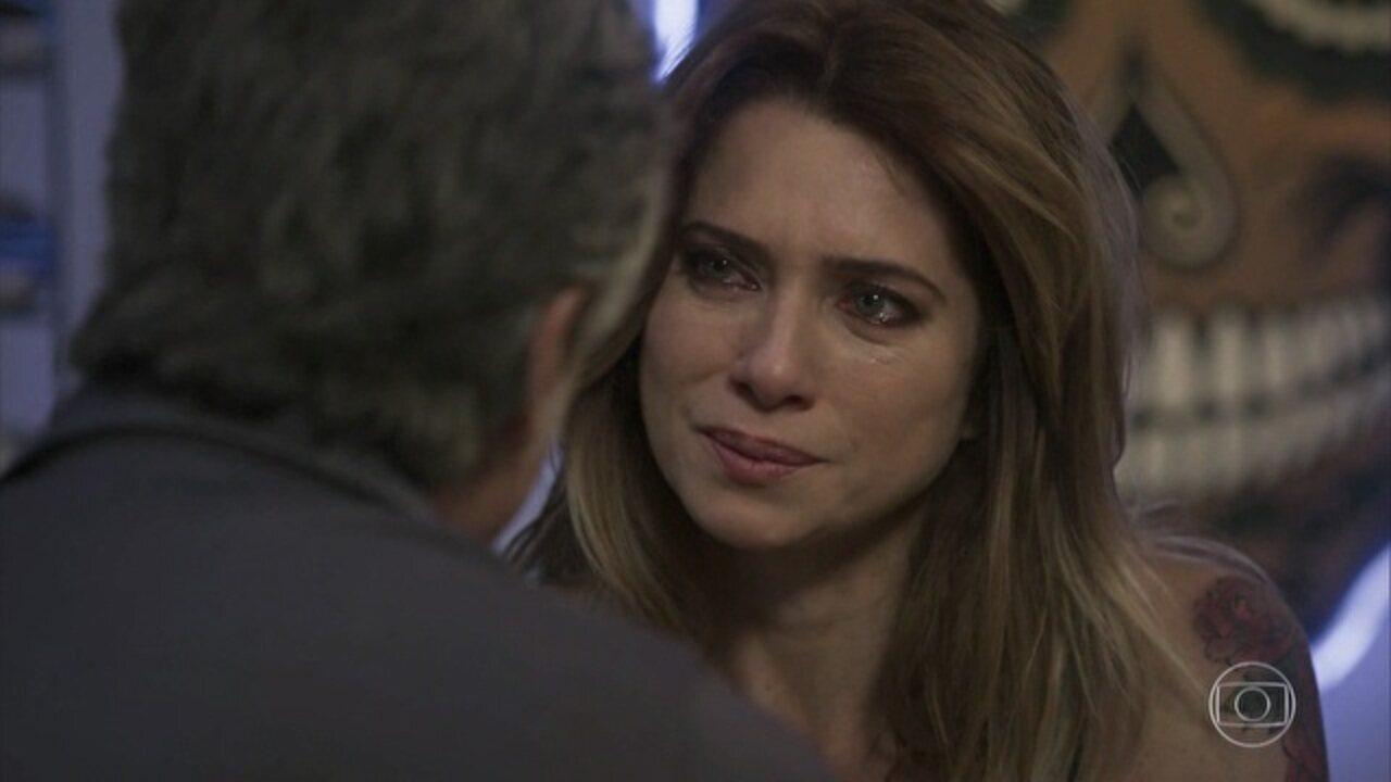 Sol Nascente - capítulo de quarta-feira, dia 30/11/16, na íntegra - César ouve a conversa entre Tanaka e Alice. Lenita chora ao lembrar seu passado e revela a Vittorio que teve uma filha.