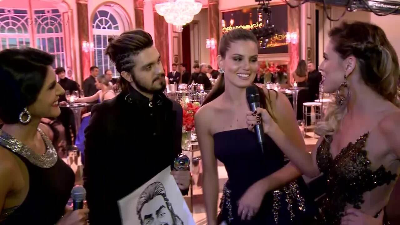 Camila Queiroz diz que Luan quer produzir seu disco