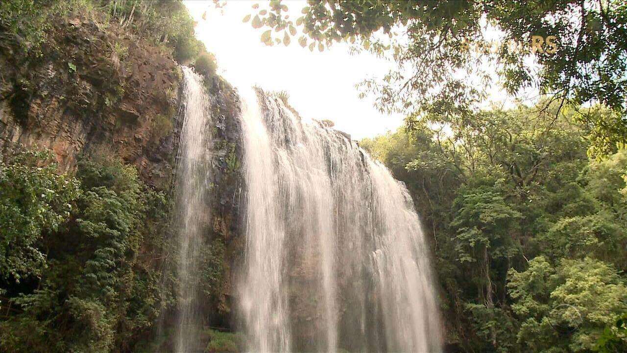 Águas termais, cachoeiras e trilhas são atrações para turistas em Machadinho, RS