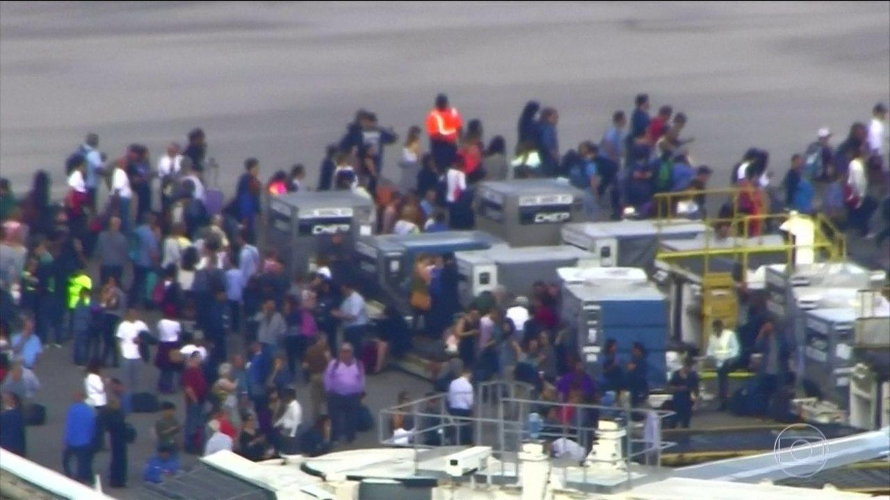 Atirador mata cinco e fere oito pessoas em aeroporto na Flórida