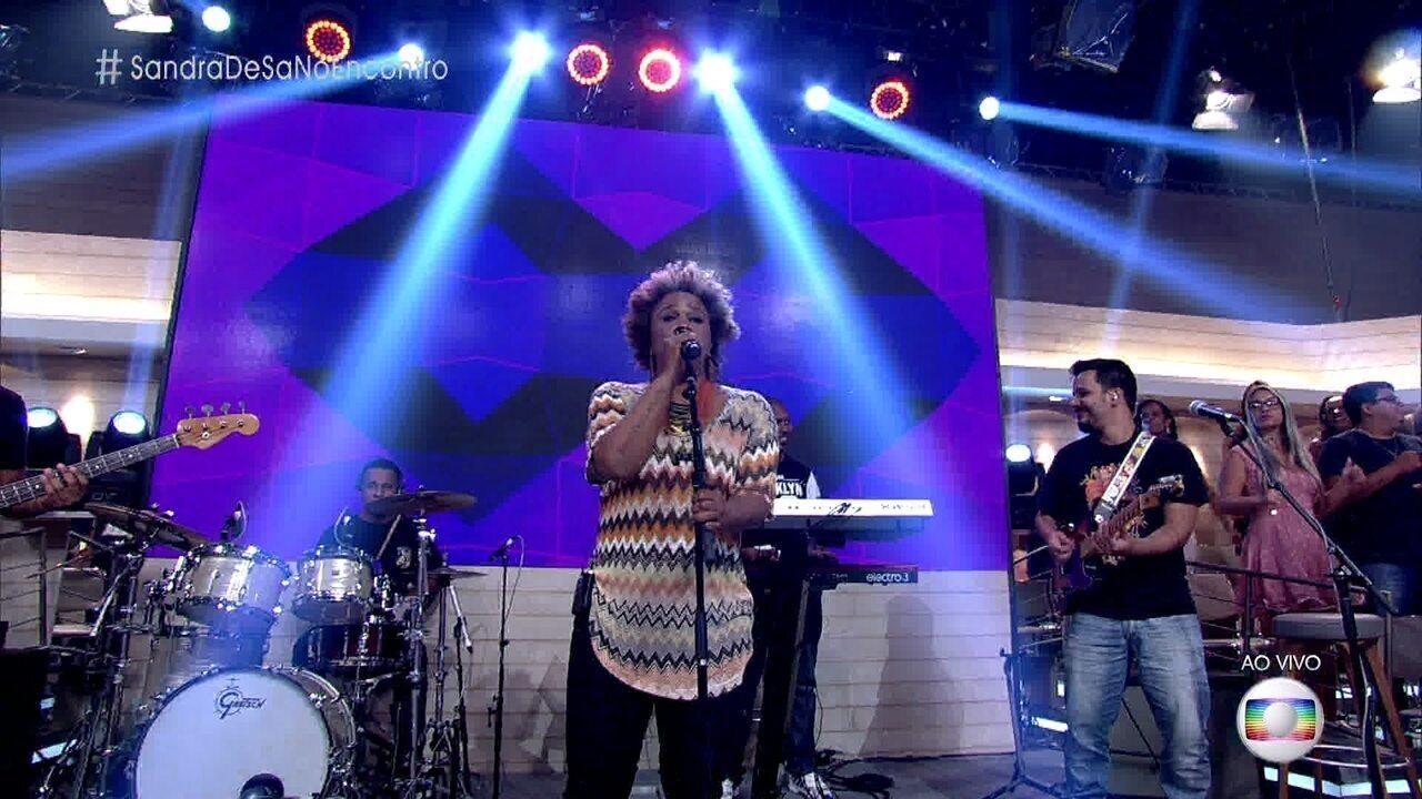 Sandra de Sá canta 'Olhos Coloridos'