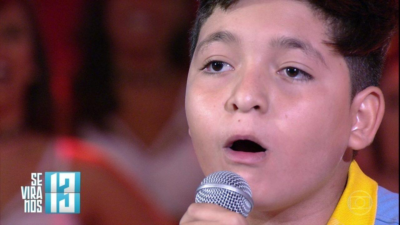 João Guilherme Araújo imita sirenes com a boca