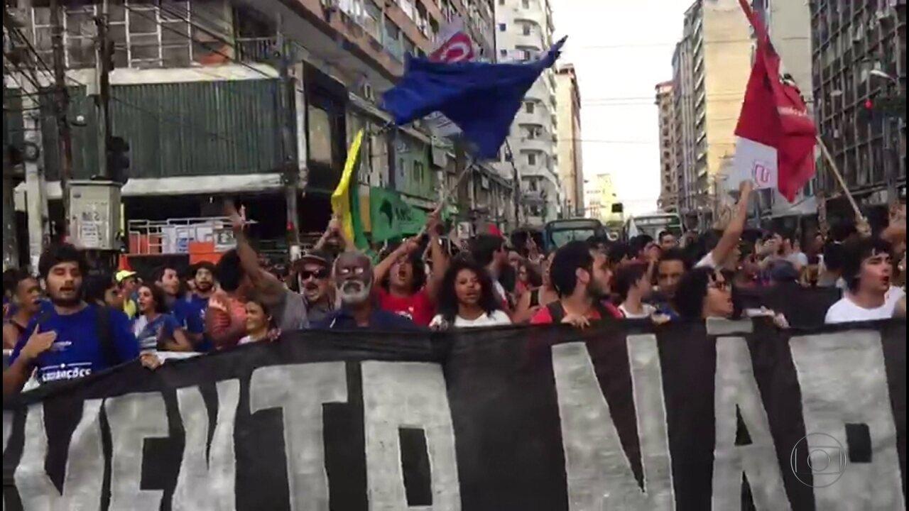 Protesto contra aumento das passagens de ônibus é realizado no Recife