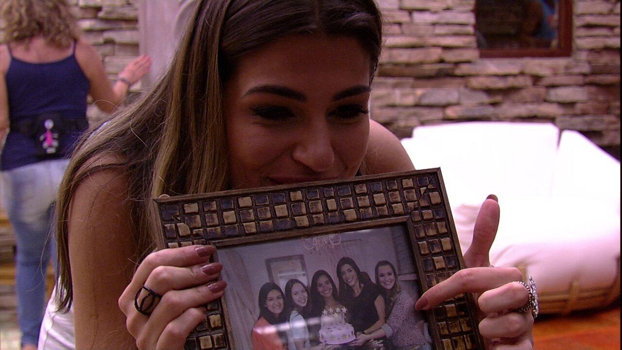 Vivian e Mayara se encantam com Quarto do Líder