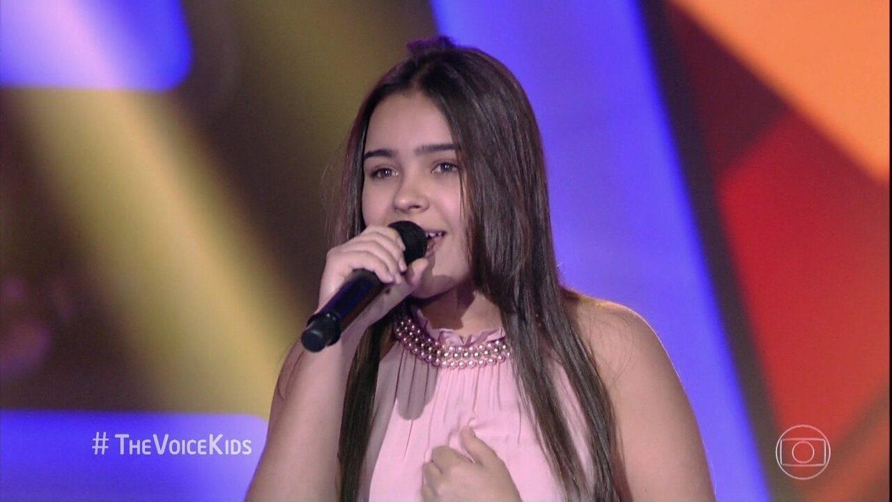 "Mayra Rodrigues canta ""No Dia em Que Eu Saí de Casa"""