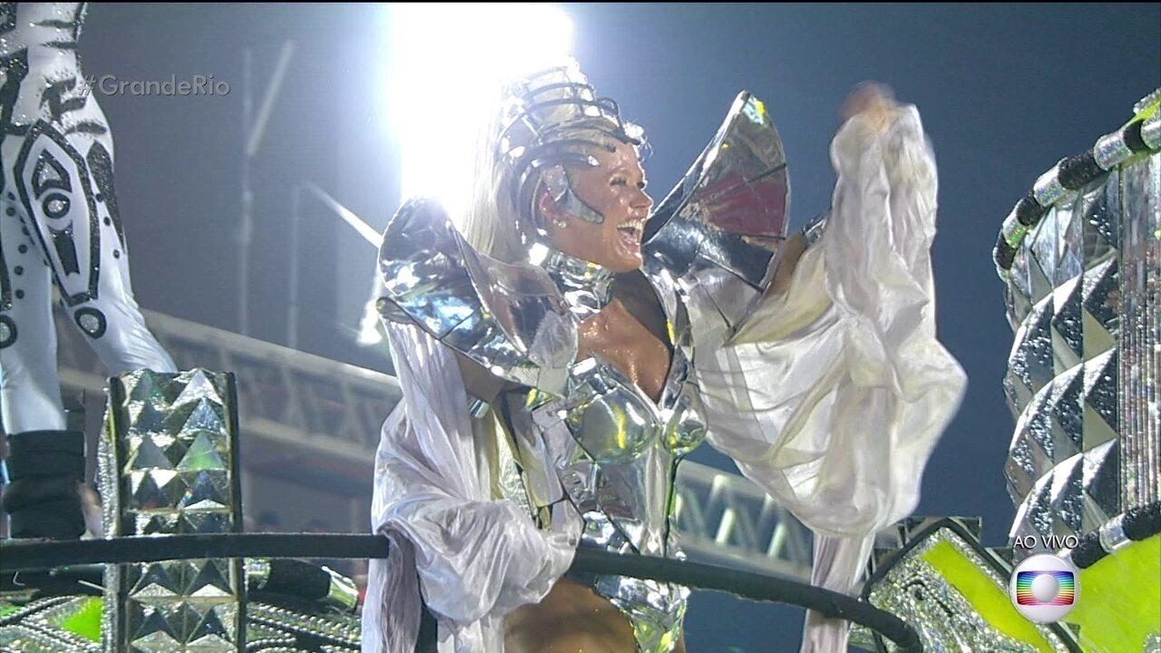 Xuxa é destaque em carro da Grande Rio