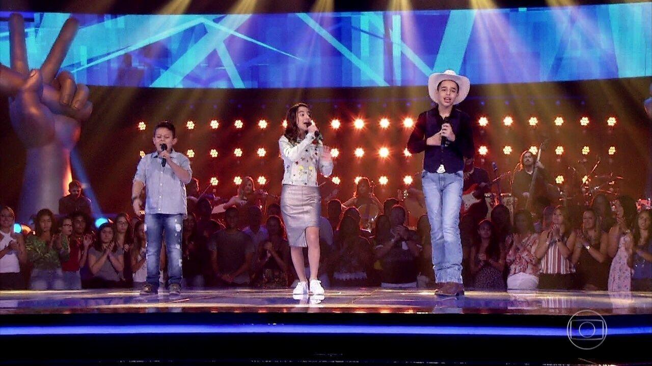 Lucas Hernandes, Lucas Viola e Luna Pietá cantam 'Triste Berrante'