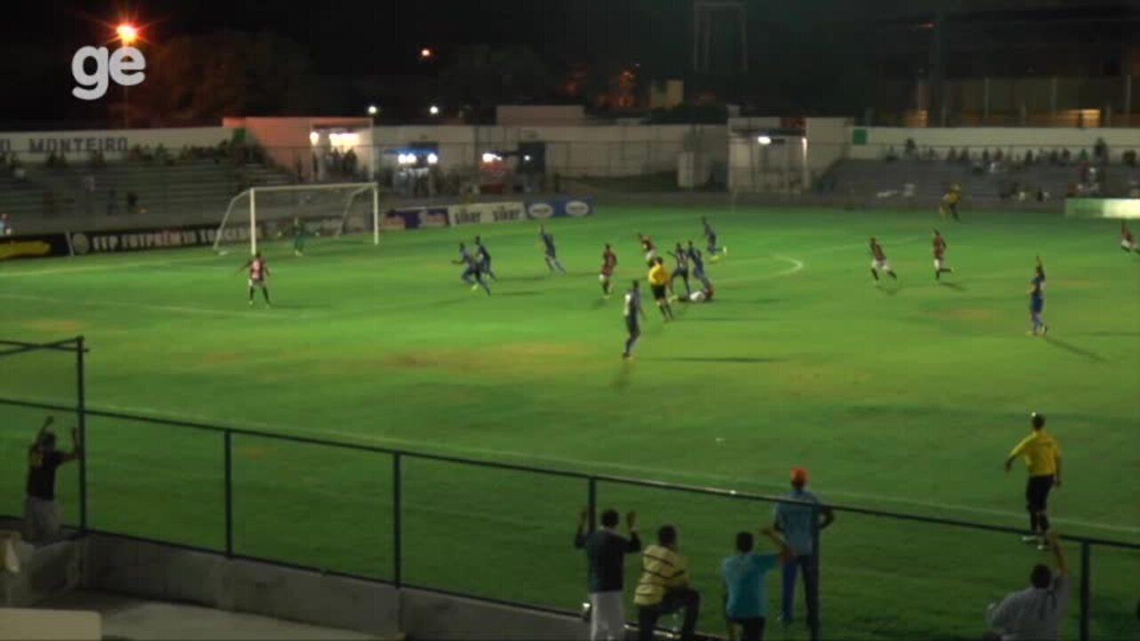 Tiaguinho marca gol da vitória do Flamengo-PI sobre o Altos no Piauiense; veja