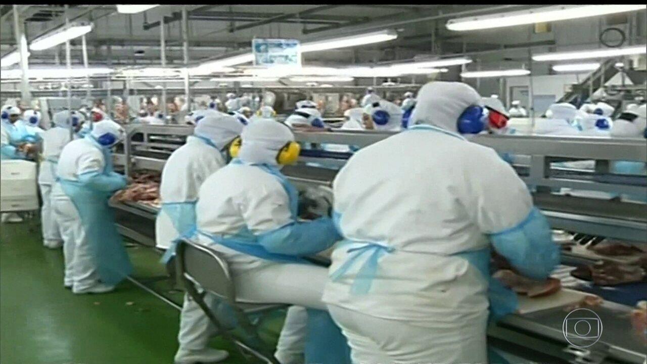 PF investiga suposta propina para liberar carne imprópria ao consumo
