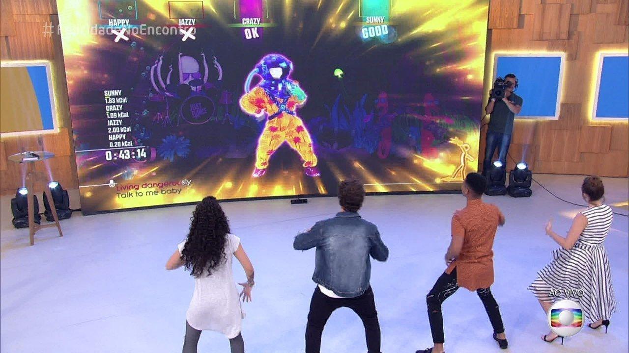 Caio Castro e Letícia Colin aceitam desafio para dançar no palco do 'Encontro'