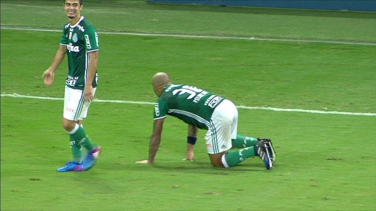Gol do Palmeiras! Felipe Melo cabeceia no ângulo, aos 42 do 2º Tempo