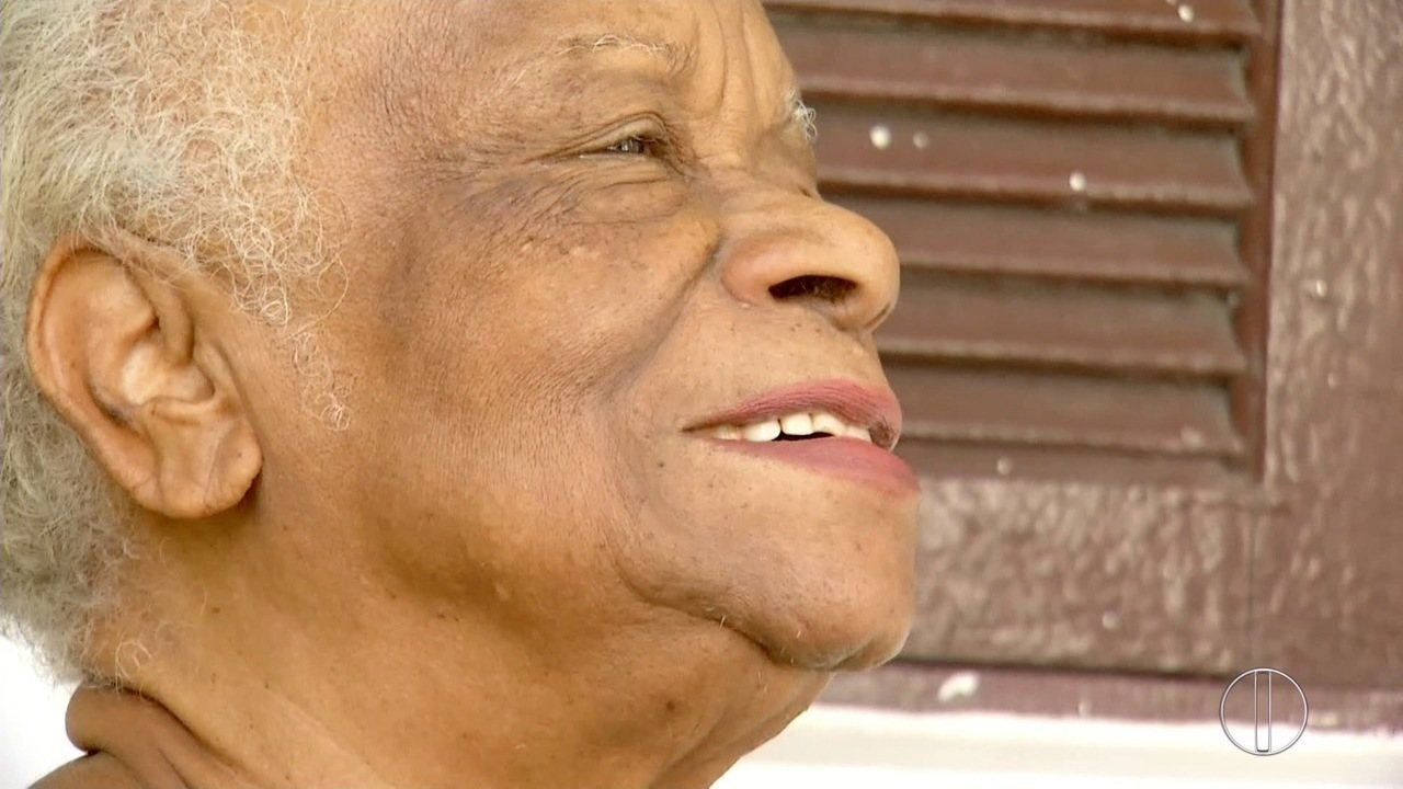 Dona Conceição é a terceira homenageada na série do RJ Inter TV 1ª Edição nesta quarta