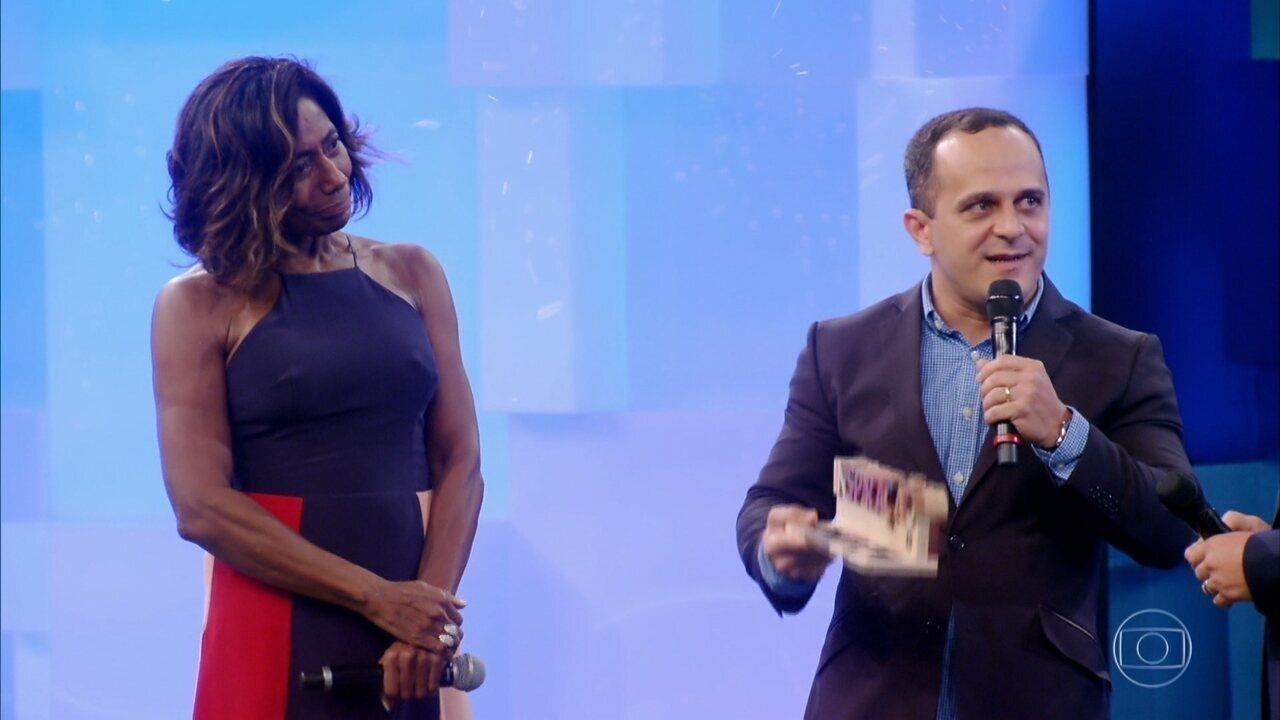 Glória Maria apresenta Carlos Pereira, homenageado no 'Especial Inspiração'