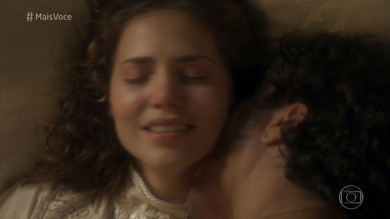Letícia Colin fala sobre a delicadeza da cena da primeira vez de Leopoldina e Pedro