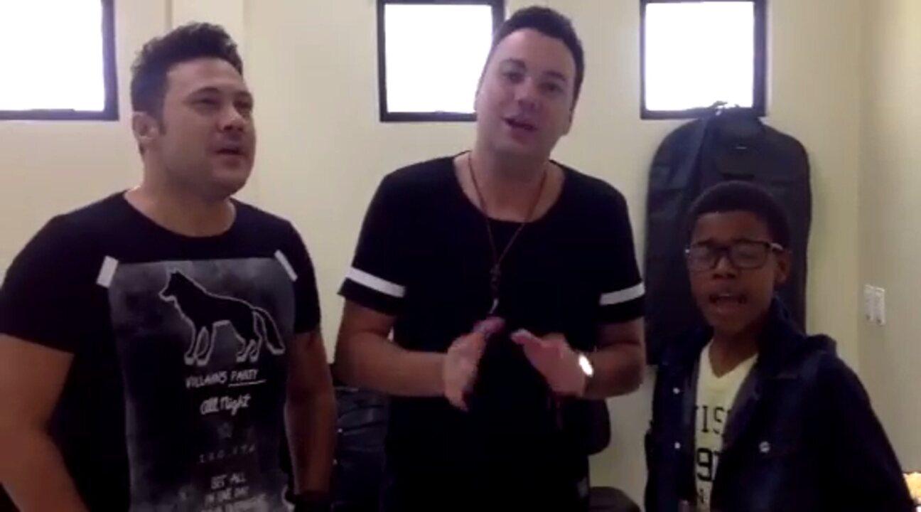 Ex-'The Voice Kids' Juan Carlos Poca canta com João Bosco e Vinicius