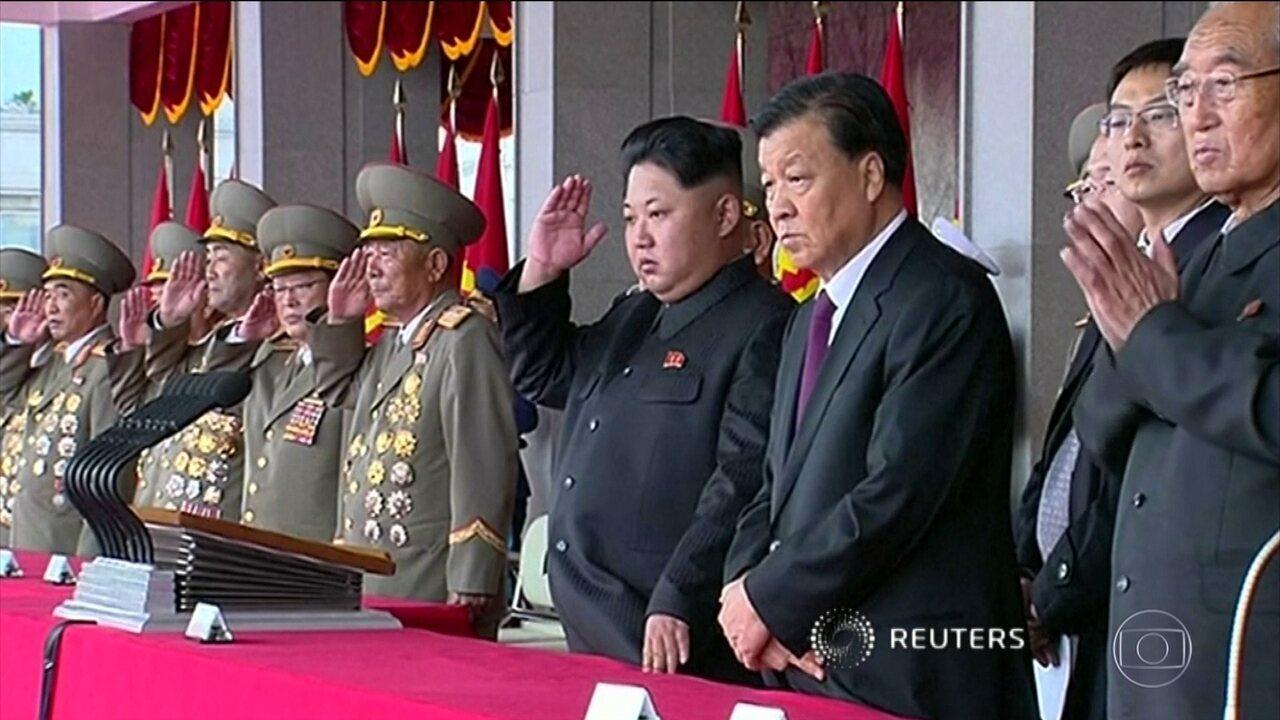 Coreia do Norte reage ao envio de navios de guerra dos EUA à região