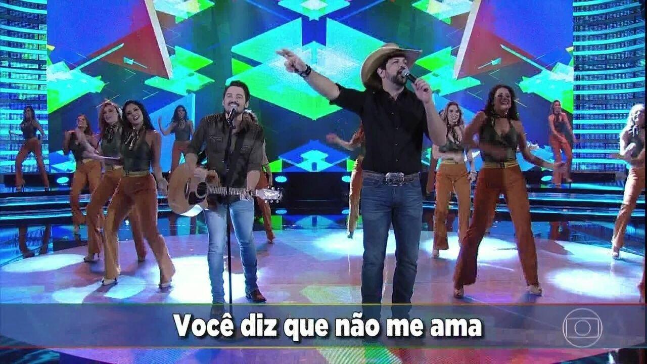 Fernando & Sorocaba cantam 'Paga Pau'