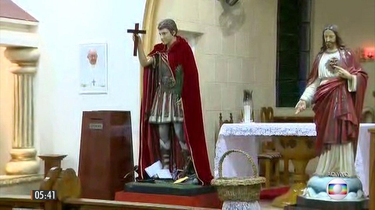 Devotos celebram o dia do santo das causas justas e urgentes