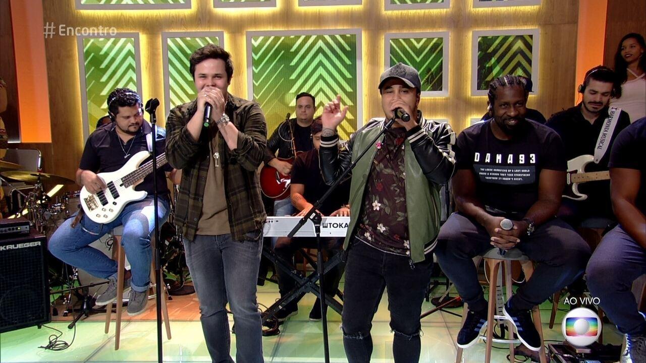 Matheus e Kauan cantam 'Te Assumi pro Brasil'
