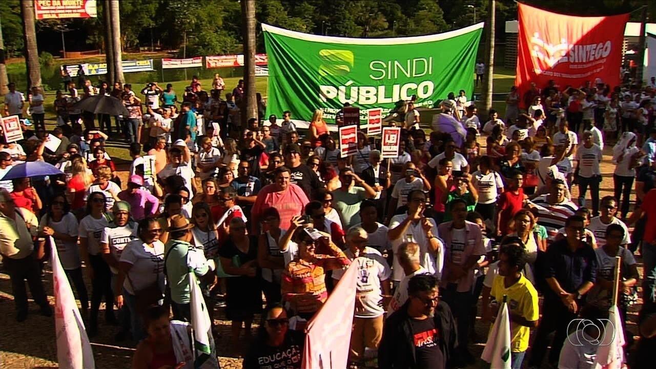 Sindicato anuncia fim da greve dos servidores da rede estadual de educação