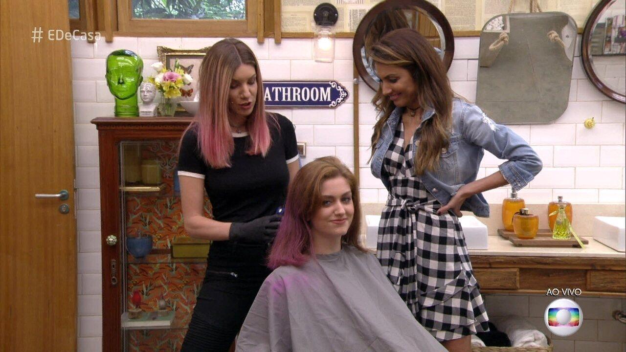 Marimoon dá dicas para ter o cabelo rosa da moda