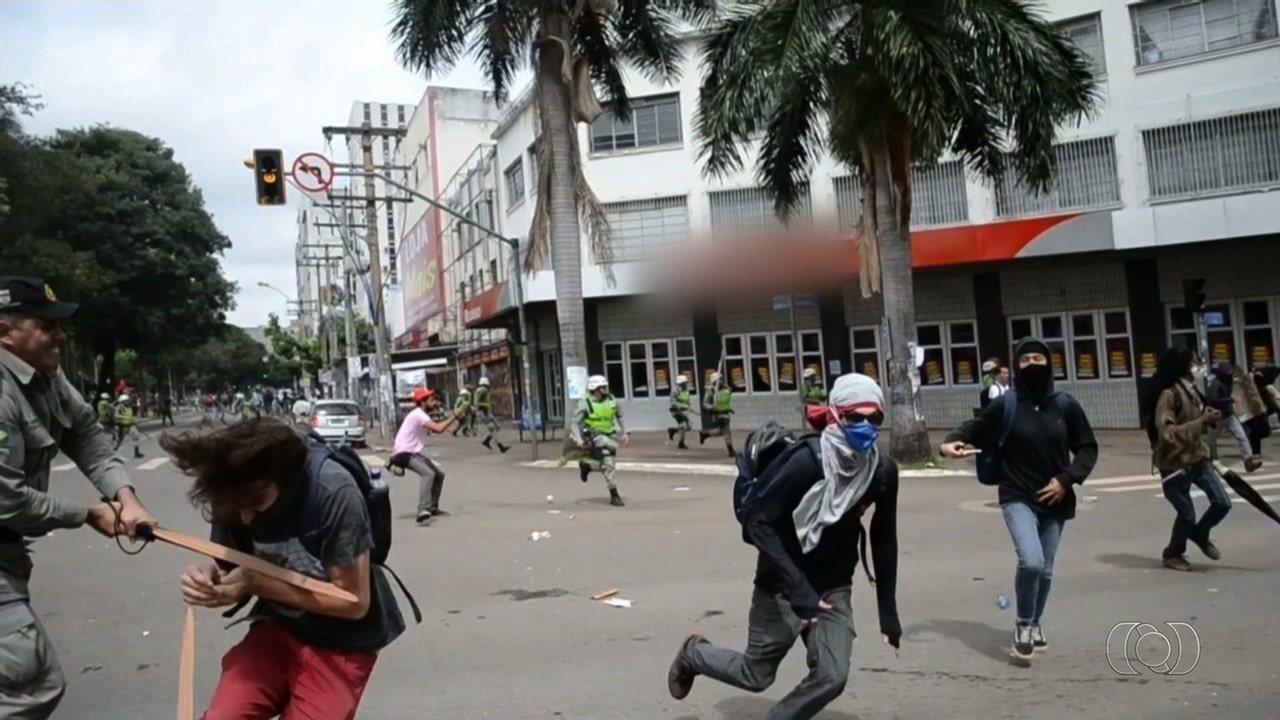 Novo vídeo mostra detalhes do momento em que PM agrediu estudante durante protesto