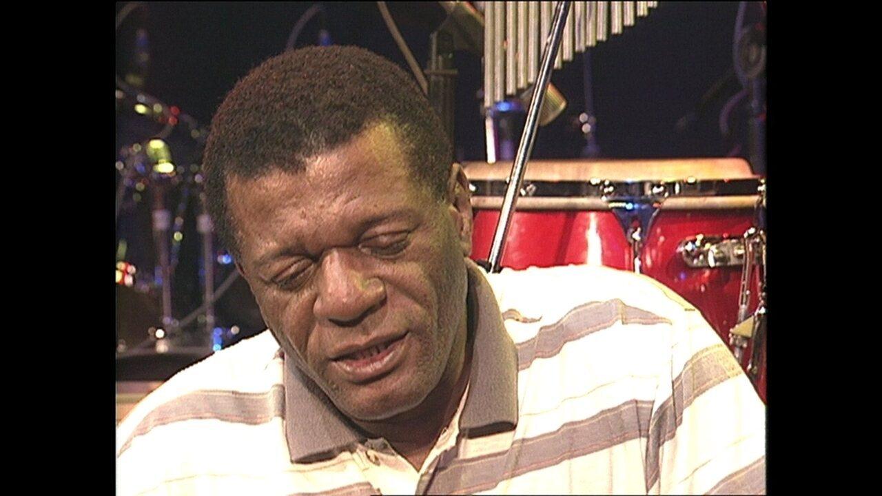 Morre, no Rio, aos 70 anos, o sambista Almir Guineto