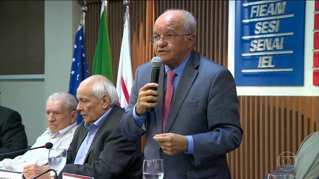 Governador do Amazonas, José Melo, do Pros, deixa o cargo
