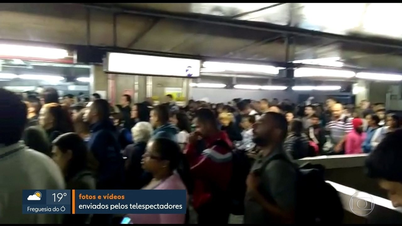 Falta de energia causa problema na Linha Azul do Metrô e lota estações