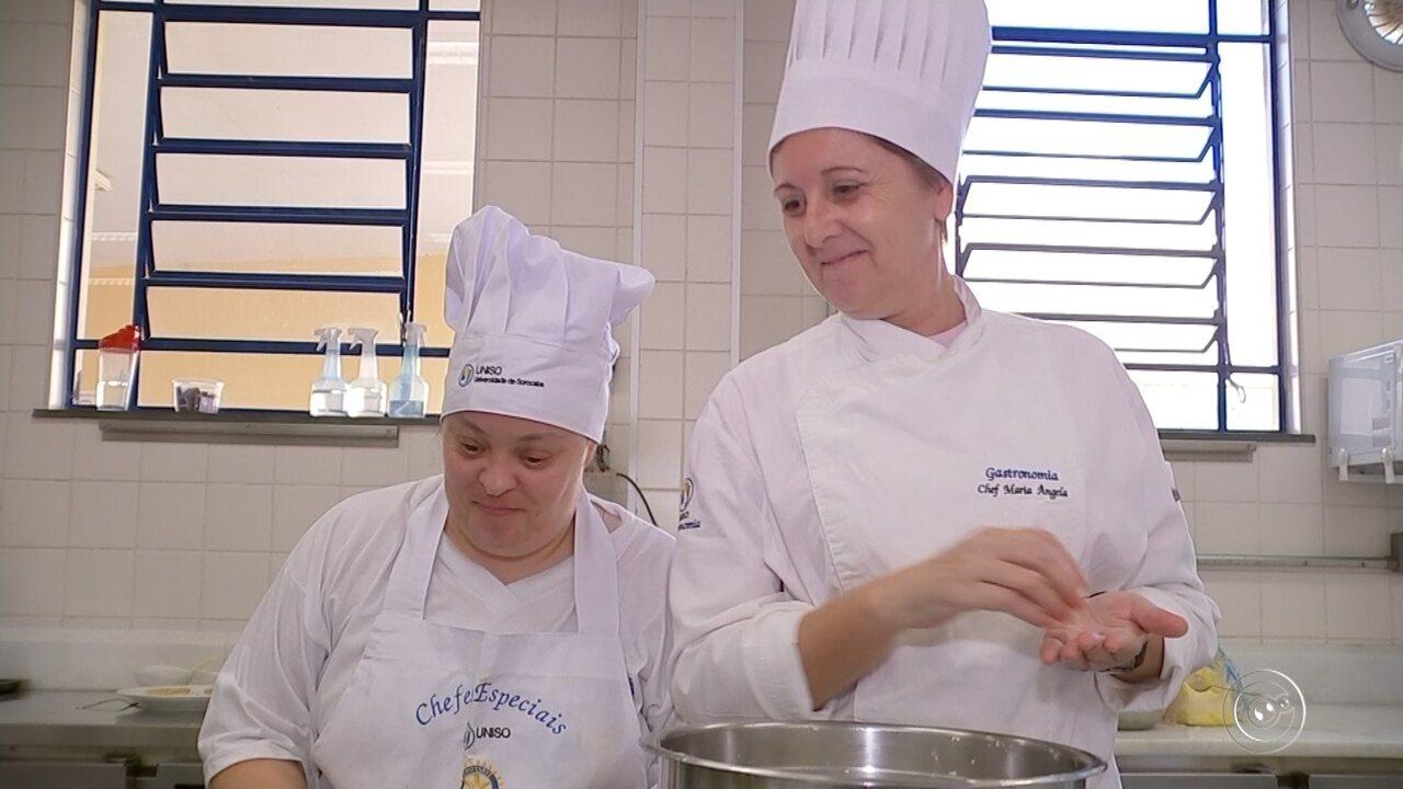 Curso de gastronomia promove inclusão de pessoas com síndrome de down