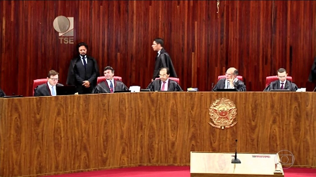TSE retoma julgamento da ação que pede cassação da chapa Dilma-Temer