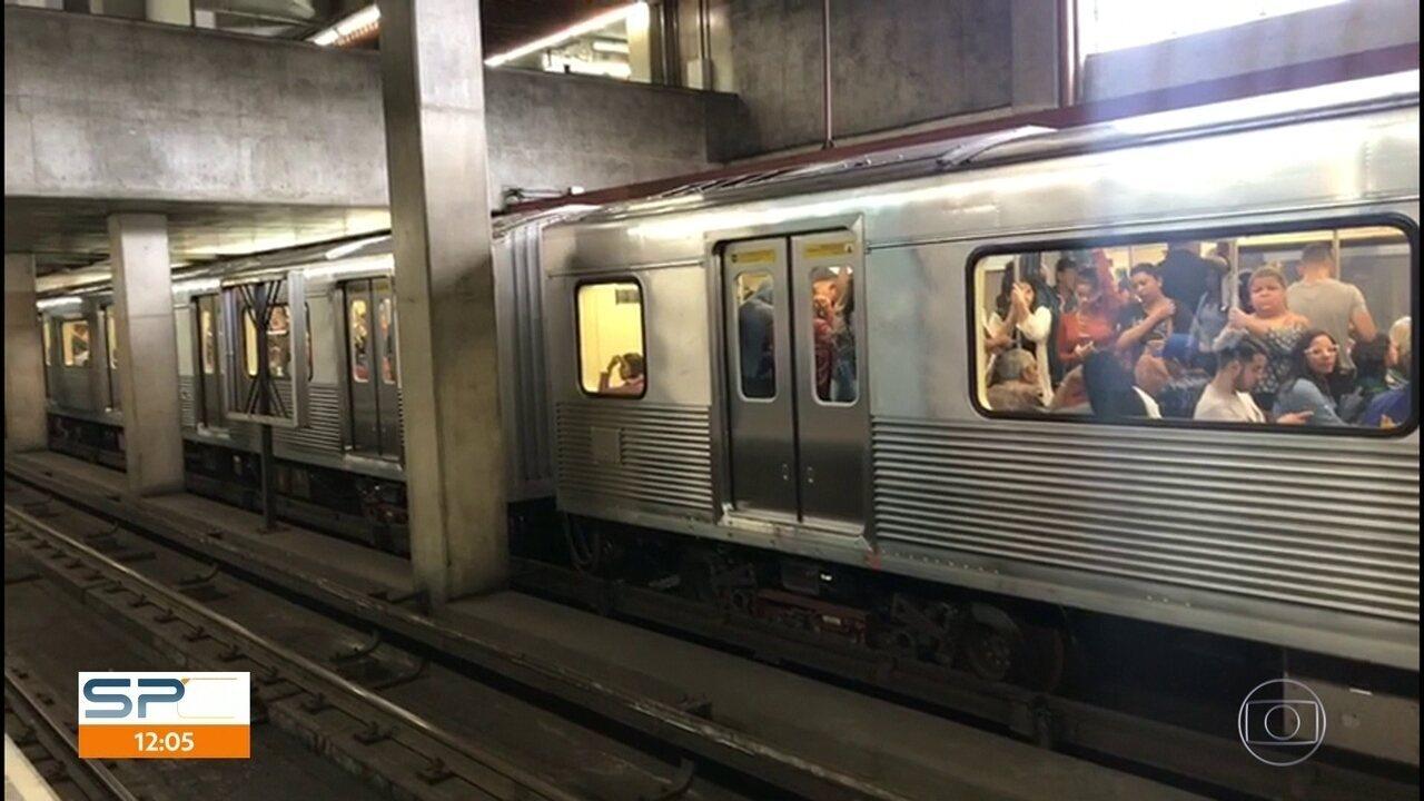 Descarrilamento na Linha Azul do metrô fecha estações e provoca  movimentação na capital 1af9cde5e1