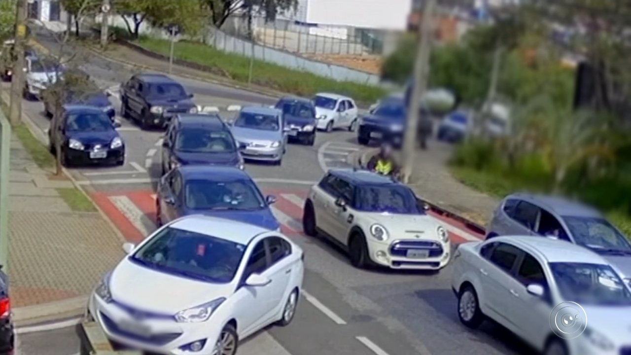 d9aabbe8811 Polícia Civil divulga imagens de quadrilha que roubava relógios de luxo em  Sorocaba