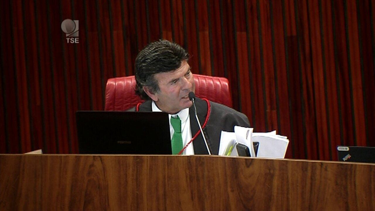 Ministro Luiz Fux vota pela cassação da chapa Dilma-Temer