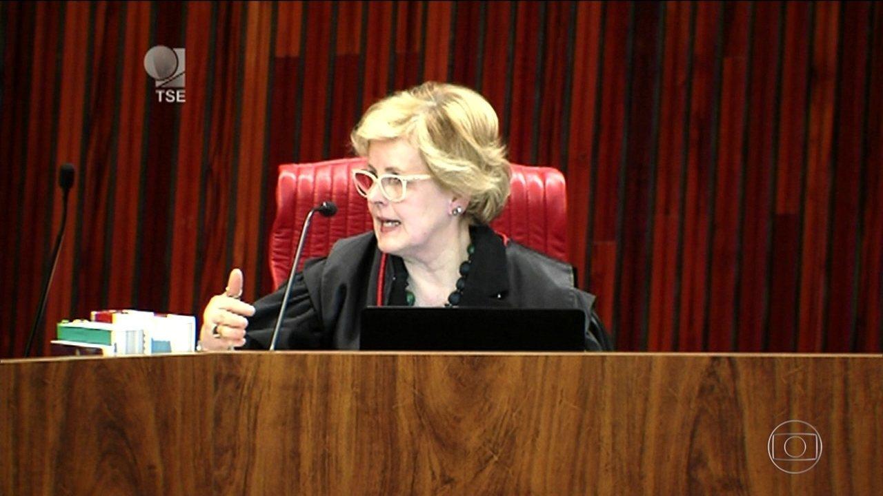 Sexta ministra a votar, Rosa Weber empata o placar do TSE