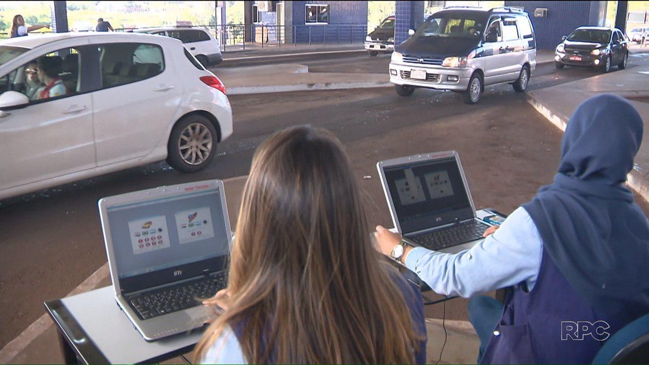 Estudantes de Foz fazem levantamento sobre as pessoas que passam pelas aduanas