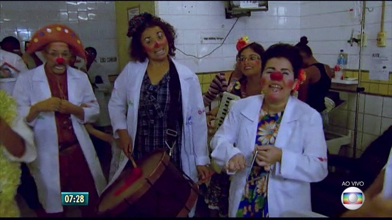 Doutores da Alegria levam festa de São João para hospitais