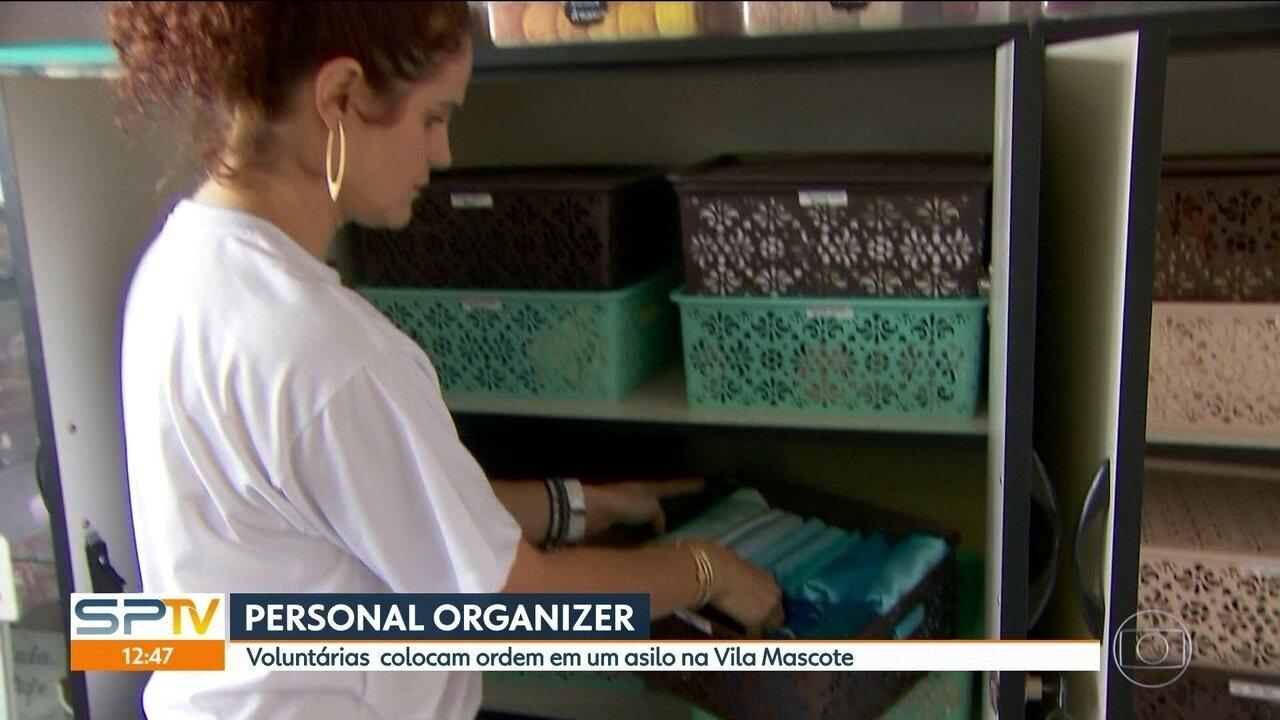 Voluntárias colocam ordem em um asilo na Vila Madalena
