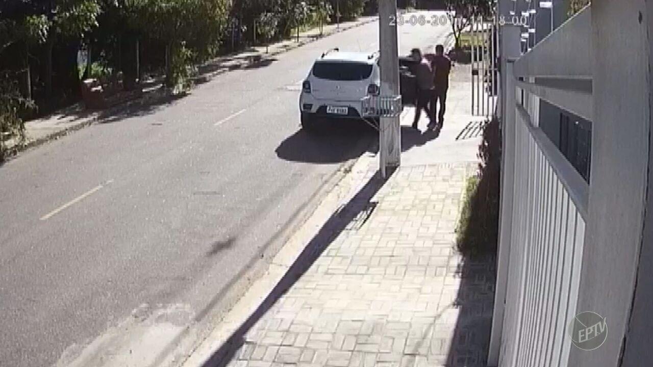 Câmeras de segurança registram furto a residência de Vinhedo